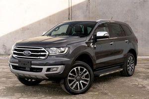 Ford Everest 2020 có gì nổi bật để so kè với Toyota Fortuner