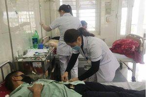 Lào Cai tiếp nhận 4 người Việt sốt cao trở về từ Trung Quốc