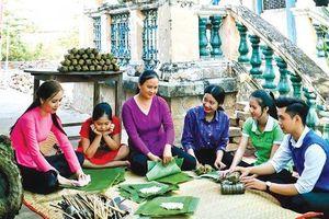Giữ những mùa xuân cho du lịch Phát triển bền vững từ văn hóa bản địa