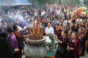 Phú Thọ: Cảnh báo việc lợi dụng, nhận tiền công đức tại Đền Mẫu Âu Cơ