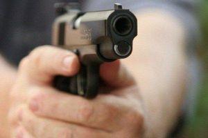 Nghe thẩm phán kể kỳ án vợ 'dọa' chồng bằng súng tự chế: Cuộc đấu trí căng thẳng