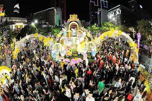 Hơn 1 triệu khách tham quan đường hoa Nguyễn Huệ tết 2020