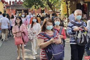Đà Nẵng: Khẩu trang cháy hàng, hàng quán, khách sạn vắng khách vì virus Corona