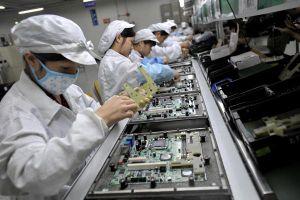 Dịch viêm phổi Vũ Hán giáng 'đòn' vào lĩnh vực sản xuất toàn cầu