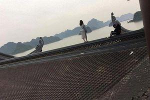 Đầu năm đi chùa, 'nam thanh nữ tú' trèo lên mái chùa để 'sống ảo'