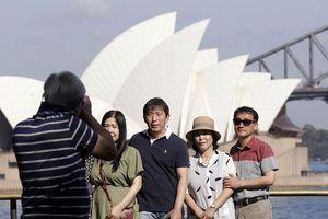 Australia cấm khách đến từ Trung Quốc nhập cảnh