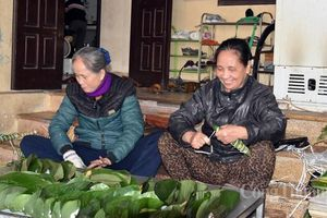 Người dân Phú Nhi kiếm trăm triệu mỗi năm nhờ làm bánh tẻ
