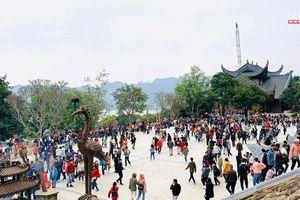 Thông báo hủy lễ hội Yên Tử, chùa Tam Chúc