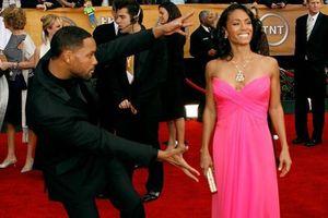 Góc tình bể bình: 10 cặp đôi Hollywood quên tạo dáng thảm đỏ vì mải ngắm nhau