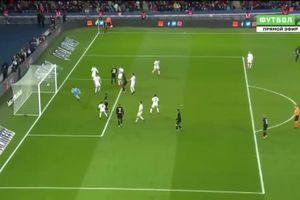 Vô tình phản lưới nhà, hậu vệ khiến cả đội thua đậm 0-5