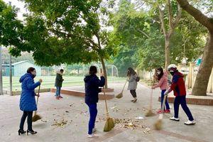 Long Biên: Các trường học tổ chức khử khuẩn