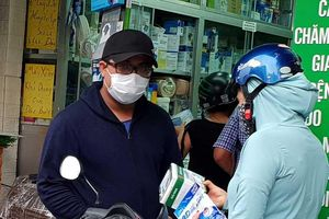 TP.HCM phát hiện cửa hàng bán gần 1.000 khẩu trang lậu