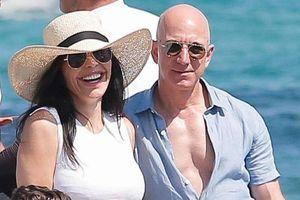 Tỷ phú Amazon Jeff Bezos bị anh trai của bạn gái khởi kiện