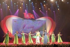 Nhiều nghệ sĩ nổi tiếng biểu diễn trong Chương trình 'Với Đảng vẹn tròn tin yêu' lần thứ 5