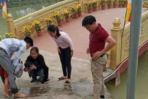 Thầy giáo dũng cảm lao xuống hồ cứu cháu bé đuối nước