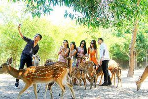 Làm du lịch gắn với bảo tồn đa dạng sinh học