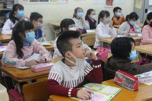 Học sinh nghỉ học một tuần vì virus corona, phụ huynh đau đầu tìm nơi gửi con