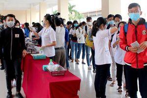 Trường đại học cho sinh viên nghỉ 6 tuần tránh virus corona