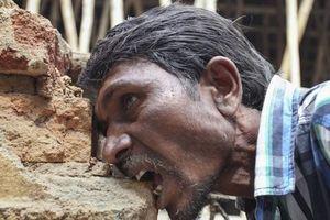 Người đàn ông 'nghiện' bùn đất, mỗi ngày ăn 3kg trong suốt 24 năm mà vẫn khỏe mạnh