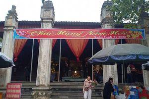 Đình, chùa, lễ hội vắng hẳn bóng người 'thời virus corona'