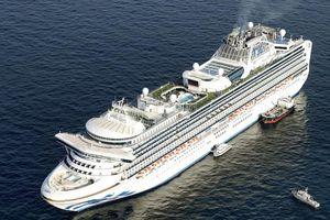 Tàu Dream World bị giữ lại ở Hong Kong vì dịch Corona