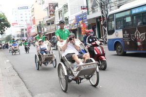 Nha Trang đón gần 1.200 khách du lịch tàu biển đến tham quan