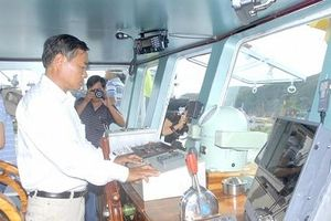 Hiện đại tàu cá để đánh bắt hiệu quả, an toàn