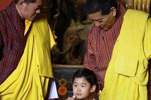Hoàng tử Rồng của Bhutan mừng sinh nhật 4 tuổi, gây bất ngờ về vẻ ngoại hình và sự vắng mặt bất thường của Hoàng hậu 'vạn người mê'