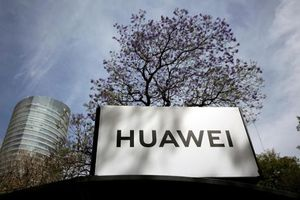 Nhà Trắng bác đề xuất mua Nokia và Ericsson để đối đầu Huawei