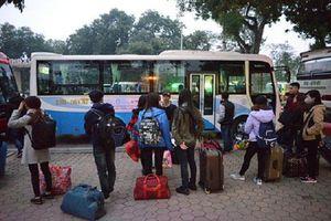 Ấm áp tình người giữa đại dịch virus Corona, nhiều nhà xe quyết định chở sinh viên về quê miễn phí