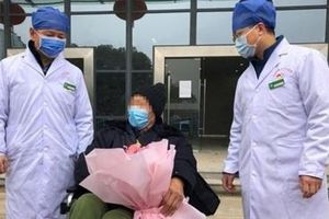 Cụ ông 91 tuổi 'chiến thắng' virus Corona tại Trung Quốc