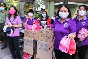 Hàng loạt dịch vụ miễn phí chống dịch corona tại chùa Bà Bình Dương
