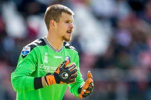 Thủ môn Heerenveen tiếp tục được ra sân sau 54 trận dự bị liên tiếp