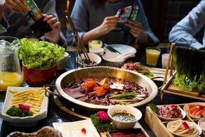 Hồng Kông: 9 người trong 1 gia đình nhiễm virus corona mới sau khi ăn lẩu