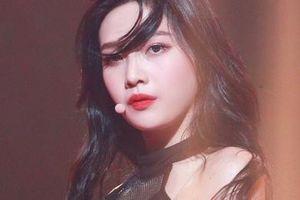 Joy (Red Velvet) quá sexy trên sân khấu