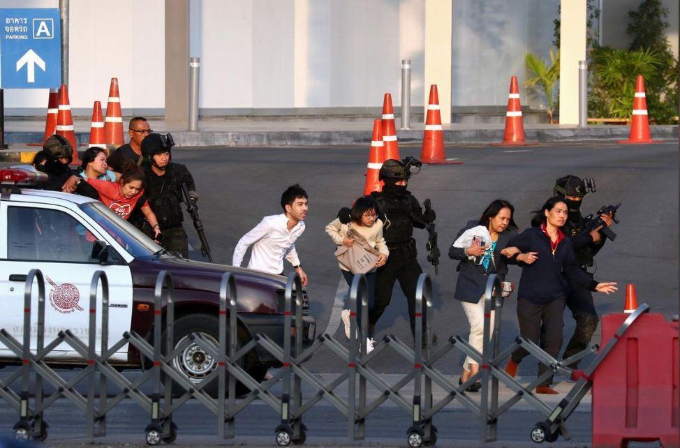 Xả súng điên loạn ở Thái Lan, 26 người chết