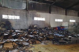 Cháy kho chứa vải vụn tại chi nhánh Tổng công ty cổ phần may Nhà Bè