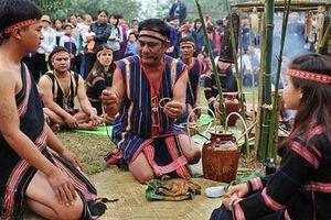 Hỗ trợ phục dựng lễ hội truyền thống của đồng bào dân tộc thiểu số