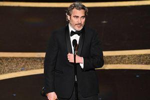 'Joker' Joaquin Phoenix phát biểu bất ngờ sau giành tượng vàng Oscar 2020