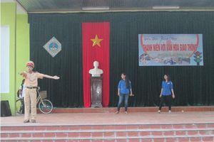 Mô hình cổng trường ATGT ở trường THPT thị xã Quảng Trị
