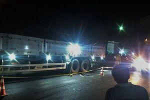 Xe mô tô va chạm với xe tải, 2 người tử vong
