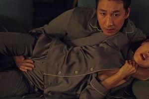 Cảnh sex trên ghế sofa trong 'Ký sinh trùng' gây tranh cãi, đạo diễn nói gì?