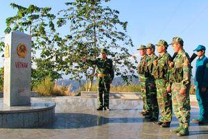Thiêng liêng cột mốc đặc biệt ba biên Việt Nam- Lào- Campuchia