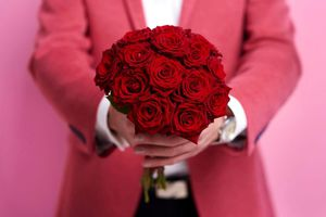 Ngày Valentine: Hoa hồng, chocolate và hơn thế nữa