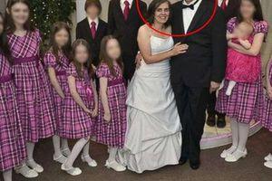 Những bức ảnh gia đình hạnh phúc che giấu tội ác của cặp vợ chồng ác quỷ, hành hạ và giam cầm con cái suốt nhiều năm trời