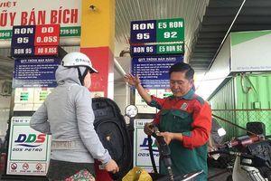 Giá xăng A95, E5 đồng loạt giảm mạnh