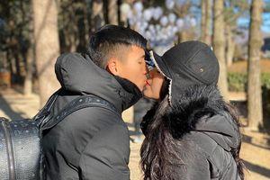 Bùi Tiến Dũng 'sến súa' với vợ, Đức Chinh đòi quà Valentine bạn gái