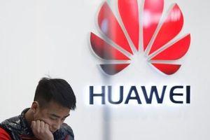 Mỹ 'vừa đánh vừa xoa' Huawei