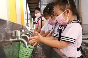 Hà Nội phải chi 7 tỷ đồng mỗi ngày nếu phát khẩu trang cho học sinh