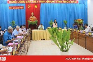 Họp Tiểu ban Văn kiện Đại hội đại biểu Đảng bộ tỉnh lần thứ XI
